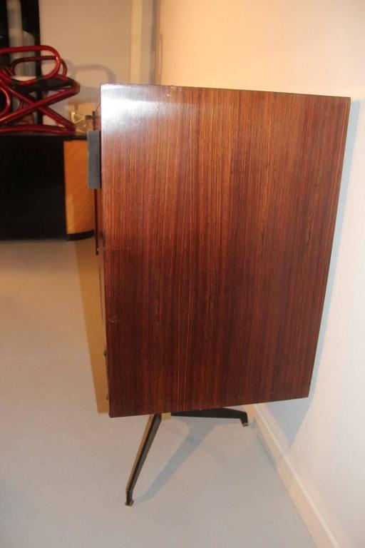 Elegant Sideboard Italian Mid-Century Design For Sale 1