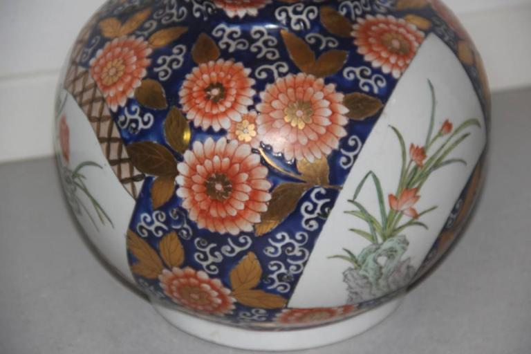 Mid-20th Century Big Old Chinese Vase of the 1940s or so, with Floral Decorations For Sale