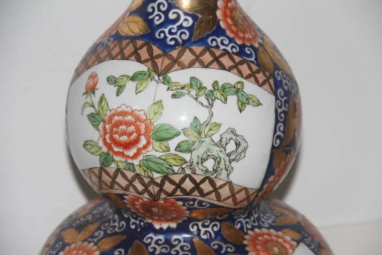 Big Old Chinese Vase of the 1940s or so, with Floral Decorations In Excellent Condition For Sale In Palermo, Sicily