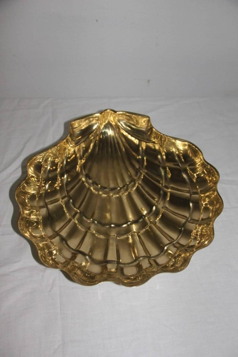 Italian Large, 1950 Chic Design Embossed Brass Shell Bowl For Sale