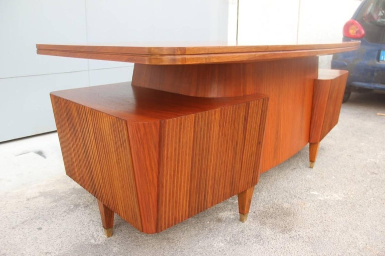 Italian Midcentury Design Desk Original Walnut 1950 Minimal  For Sale 4