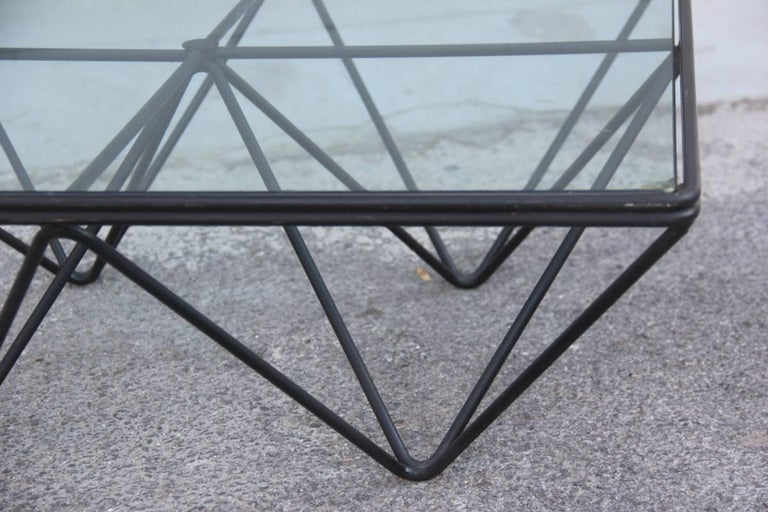 Paolo Piva for B&B Italia 1980 Modern and Fashionable Coffee or Sculptural Table In Excellent Condition For Sale In Palermo, IT