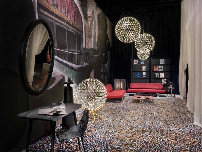 Moooi Raimond Tensegrity LED Floor Lamp by Raimond Puts 5