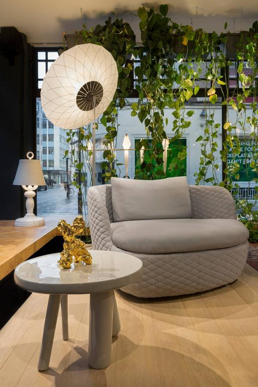 Dutch Moooi Elements 002 Table by Jaime Hayon in Yellow, Light Grey or Dark Grey For Sale