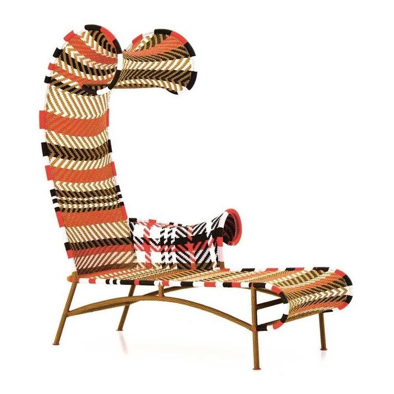 Moroso shadowy chaise longue for outdoors handwoven in for Chaise longue garden furniture
