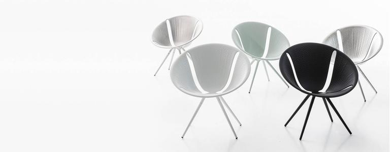 Moroso Diatom Stackable Chair for Indoor and Outdoor Use by Ross Lovegrove In Excellent Condition For Sale In Rhinebeck, NY