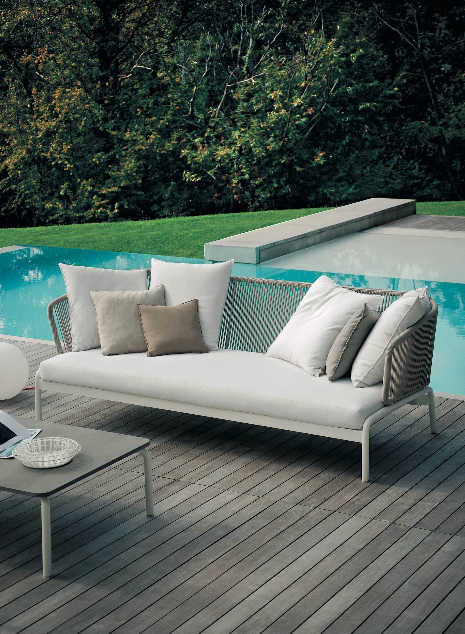 RODA Spool three-Seat Sofa for Outdoor/Indoor Use by Rodolfo Dordoni For  Sale at 1stdibs - RODA Spool Three-Seat Sofa For Outdoor/Indoor Use By Rodolfo Dordoni