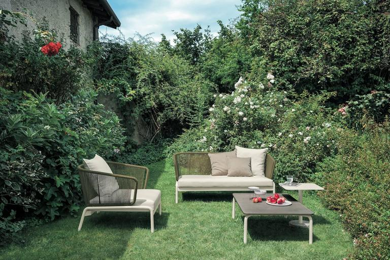 Modern Roda Spool Two-Seat Sofa for Outdoor/Indoor Use by Rodolfo Dordoni For Sale