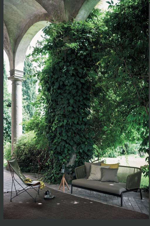 Italian Roda Spool Two-Seat Sofa for Outdoor/Indoor Use by Rodolfo Dordoni For Sale
