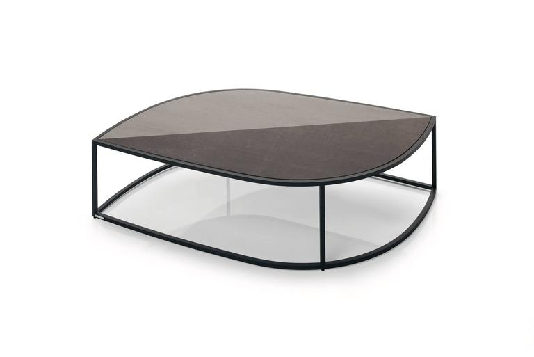 Modern Roda Leaf Coffee Table for Outdoor/Indoor Use in Glazed or Natural