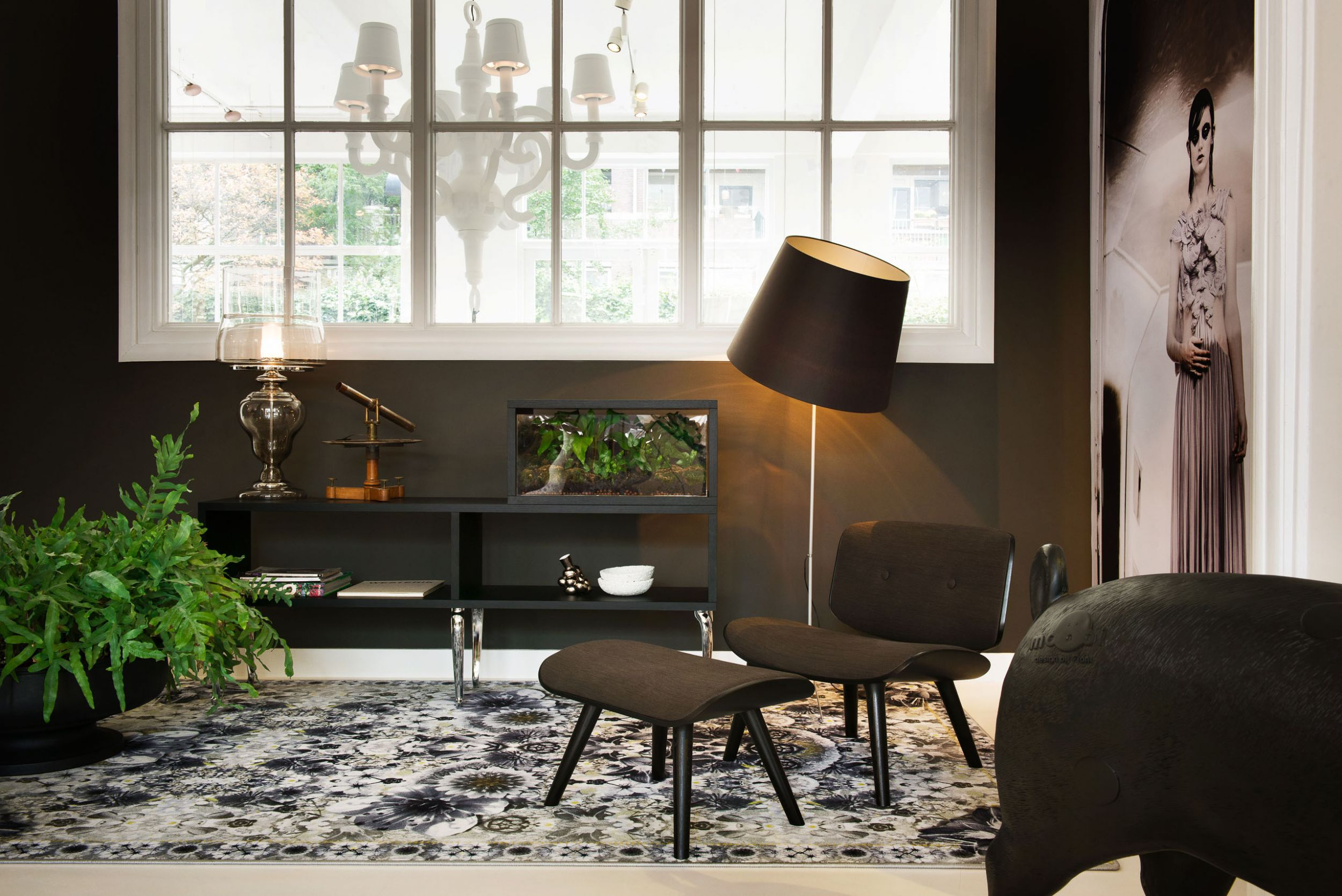 Double Shade Floor Lamp In Black Or White By Marcel Wanders For Moooi