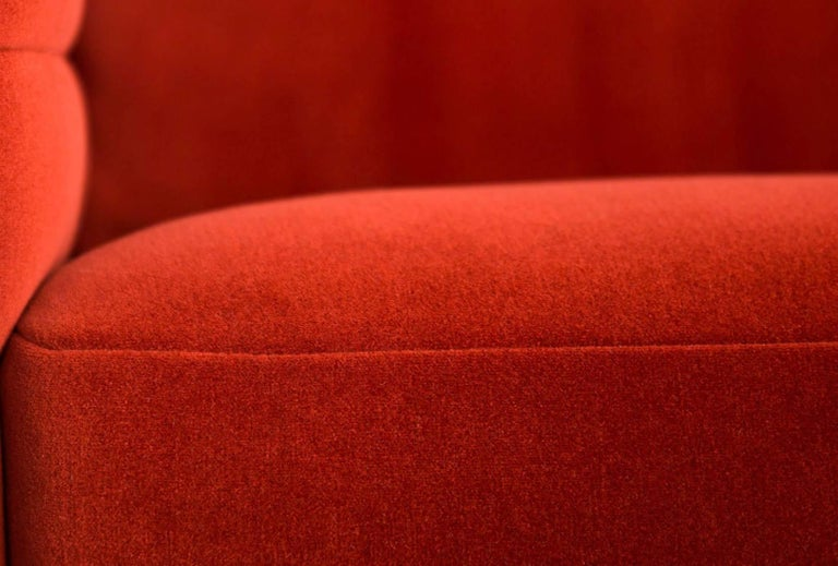 Contemporary Moooi Boutique Botero Sofa in Red Velvet For Sale