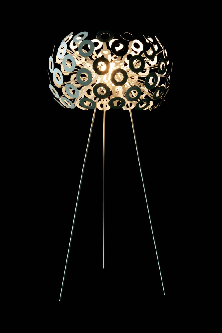 Dutch Moooi Dandelion Floor Lamp in White Powder Coated Metal For Sale