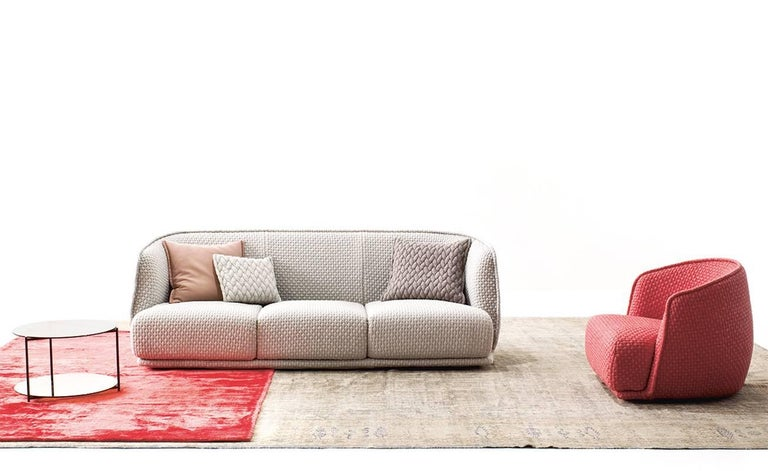Contemporary Moroso Redondo Three-Seat Sofa in Tufted Upholstery by Patricia Urquiola For Sale