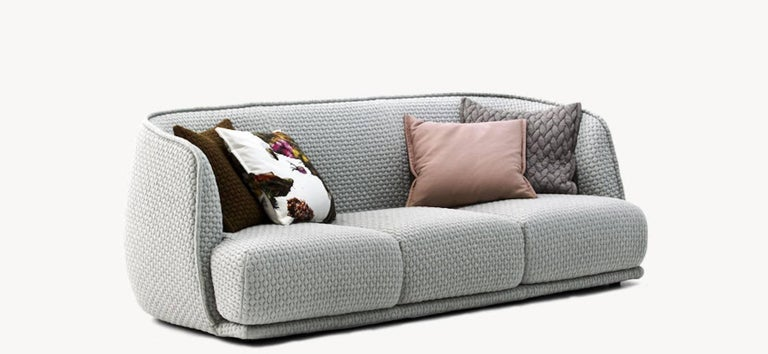 Moroso Redondo Three-Seat Sofa in Tufted Upholstery by Patricia Urquiola For Sale 1