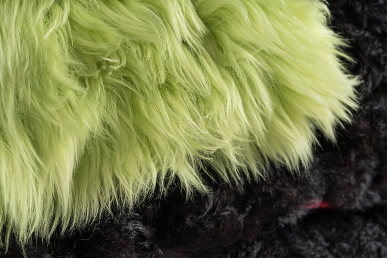 Green Sheepskin and Exclusive Fabric Pillow In New Condition For Sale In Rosheim, FR