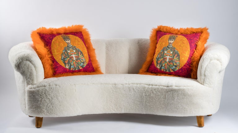 Pair of Orange Sheepskin and Exclusive Fabric Pillows In New Condition For Sale In Rosheim, FR