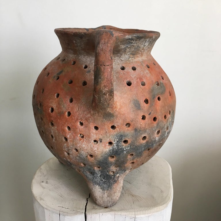 Ceramic pot from the state of Guerrero known as a