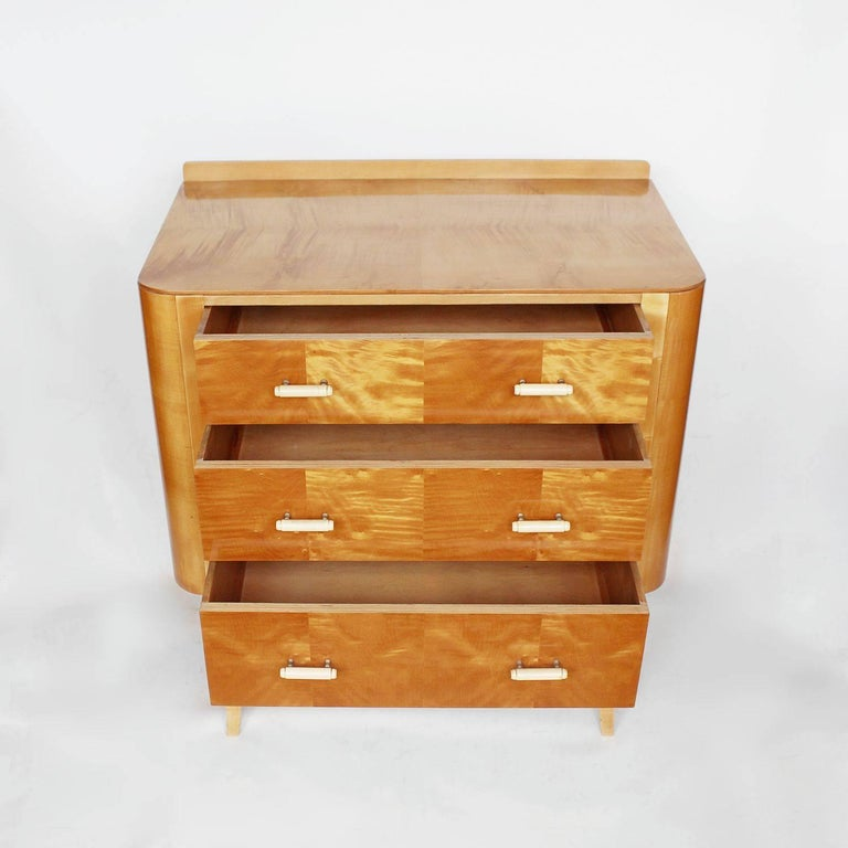 Art Deco Chest of Drawers In Excellent Condition For Sale In Forest Row, East Sussex