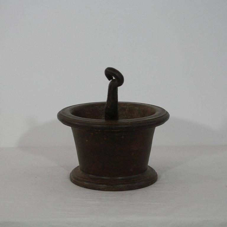 18th Century French Cast Iron Mortar In Good Condition For Sale In Amsterdam, NL