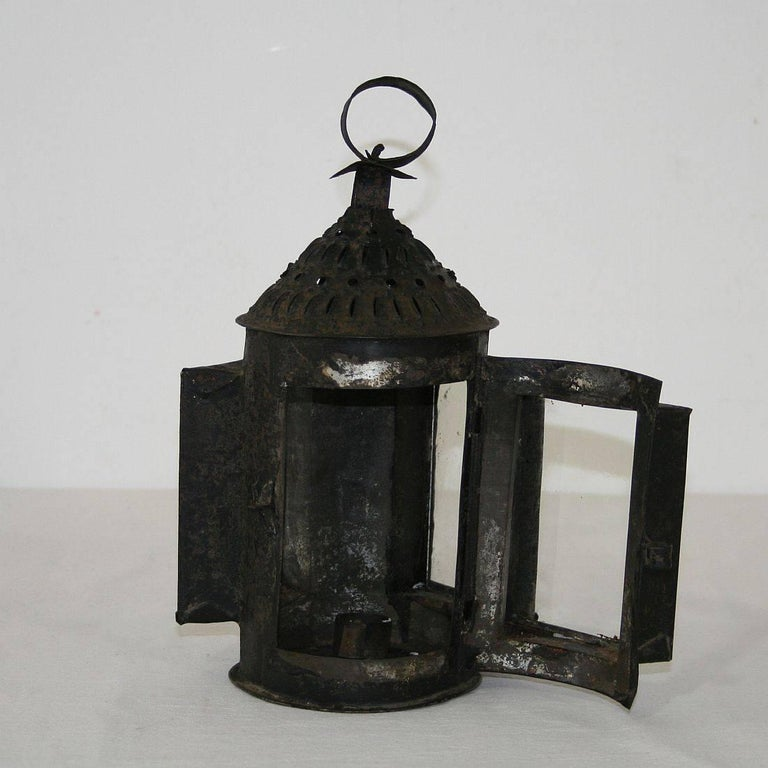 French 18th Century Metal Lantern For Sale 2