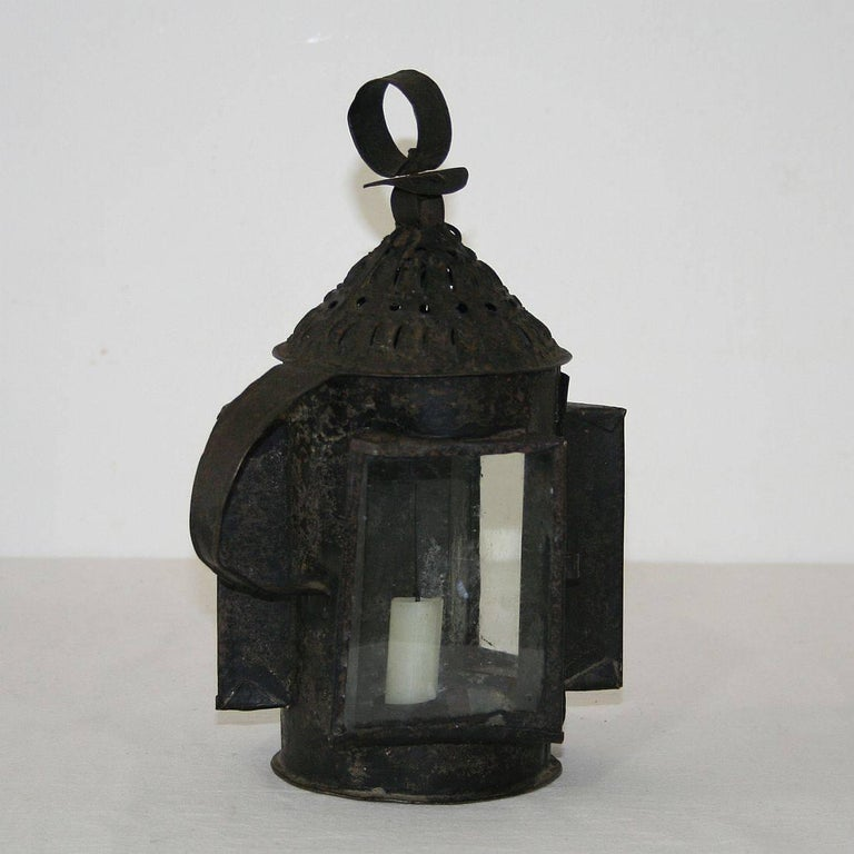 French 18th Century Metal Lantern In Good Condition For Sale In Amsterdam, NL