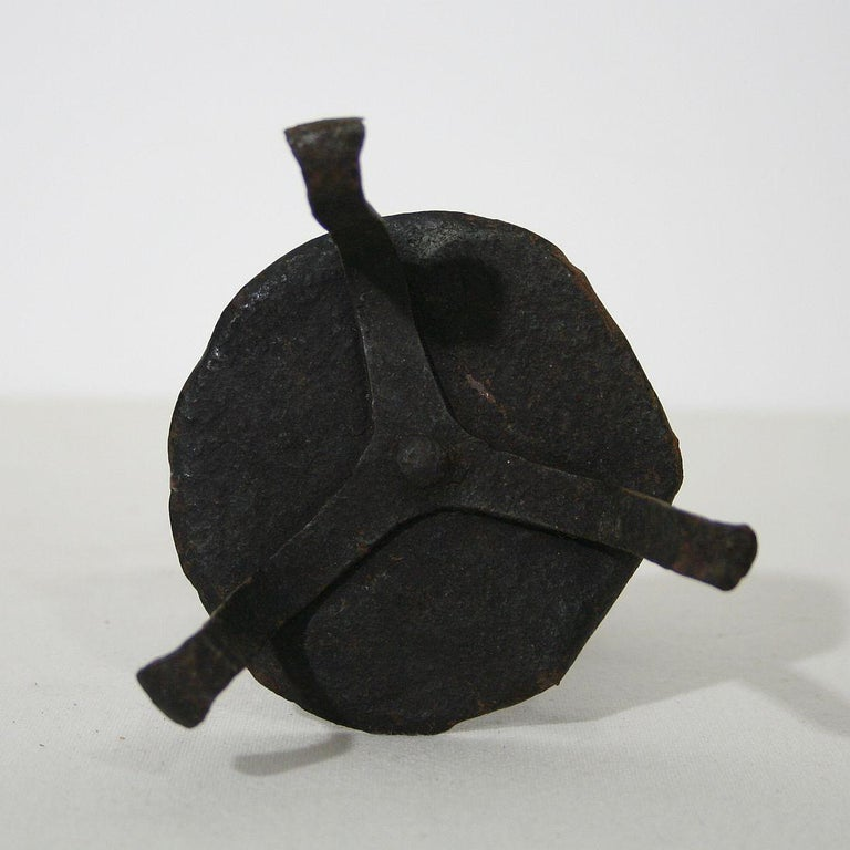 French 18th Century Hand-Forged Iron Candleholder In Good Condition For Sale In Amsterdam, NL