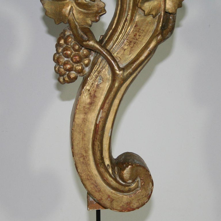 Pair of Large 18th Century Italian Giltwood Baroque Ornaments For Sale 13