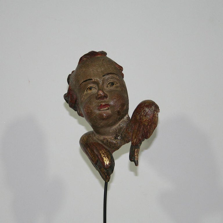 Hand-Carved Italian 18th Century Baroque Carved Wooden Angel Head For Sale