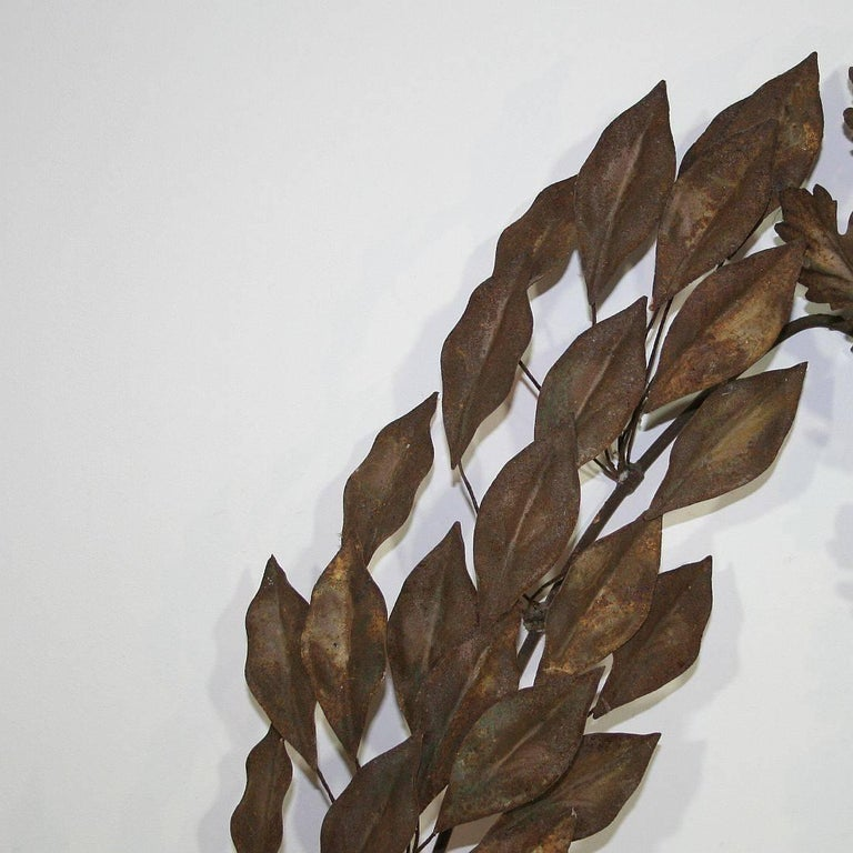Gorgeous iron laurel wreath with beautiful iron leaves.