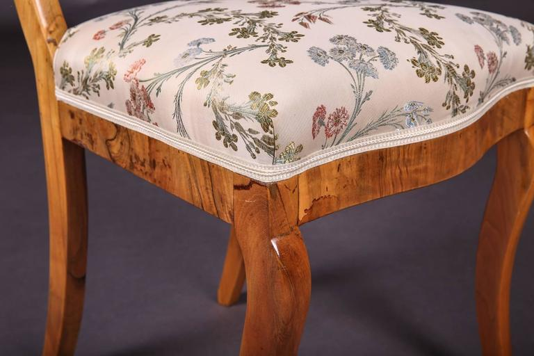 Early 19th Century Three Biedermeier Curved Legs Set of Chairs For Sale 4