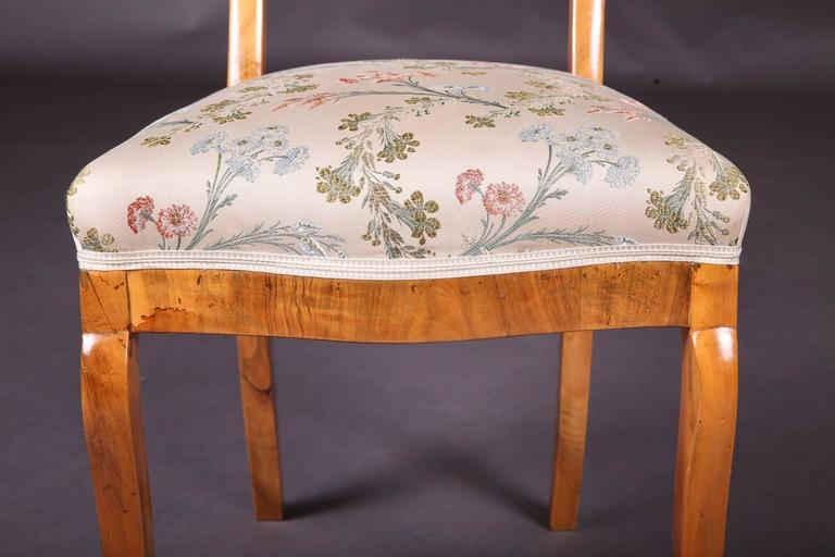 Early 19th Century Three Biedermeier Curved Legs Set of Chairs For Sale 3