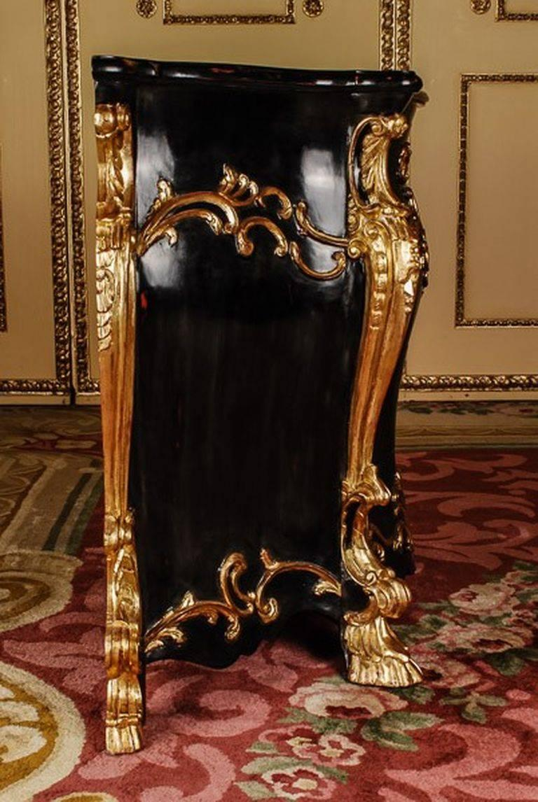 20th century baroque style commode for sale at 1stdibs. Black Bedroom Furniture Sets. Home Design Ideas