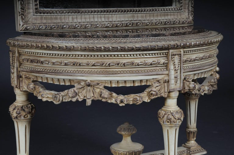 Beautiful Console Mirror in the Louis XVI For Sale 1