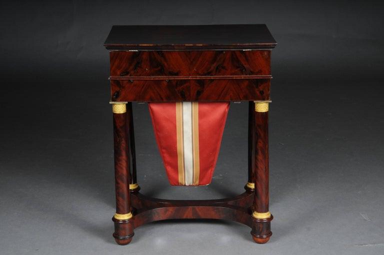 Antique Empire Sewing Table, Paris, circa 1810 In Good Condition For Sale In Berlin, DE