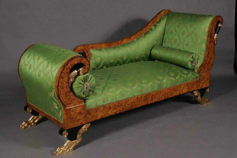 Empire swan chaise longue in the style of Classizism.