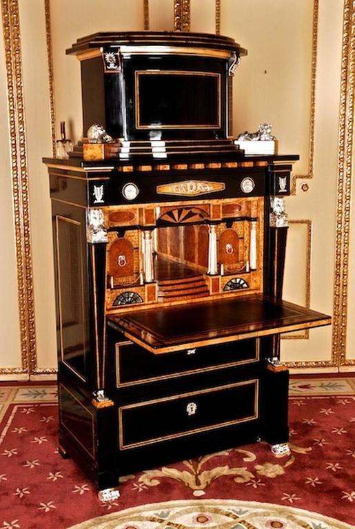 20th Century Empire Style Courtly Lion Secretaire In Good Condition For Sale In Berlin, DE