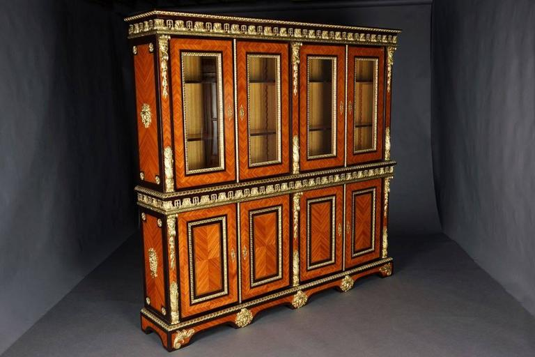 20th Century Louis XIV Style French Bibliotheque Bookcase In Good Condition For Sale In Berlin, DE