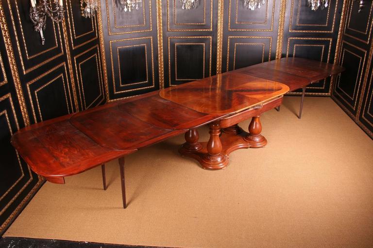 19th Century Biedermeier Extending Table For Sale 2