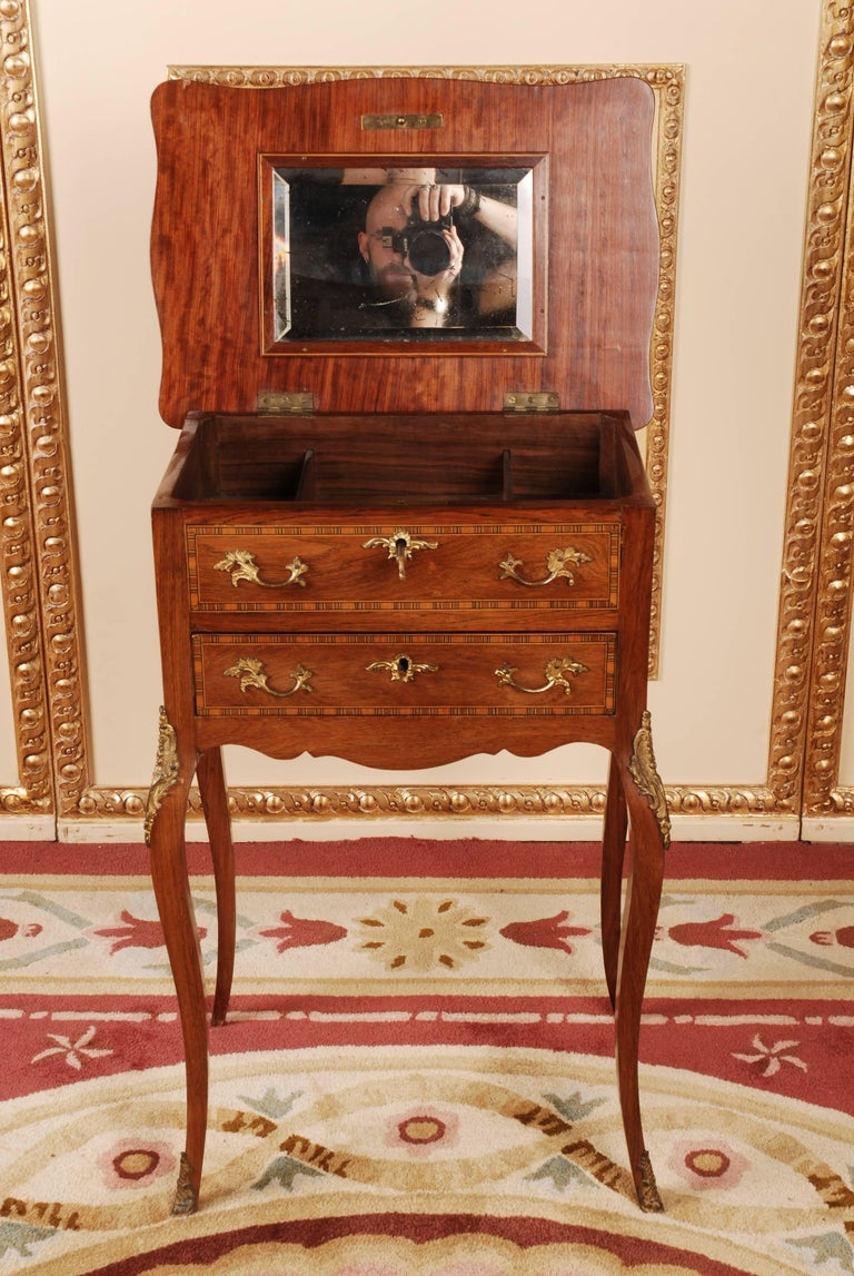 19th Century Louis XV Style Curved-Legs Side Table For Sale At 1stdibs