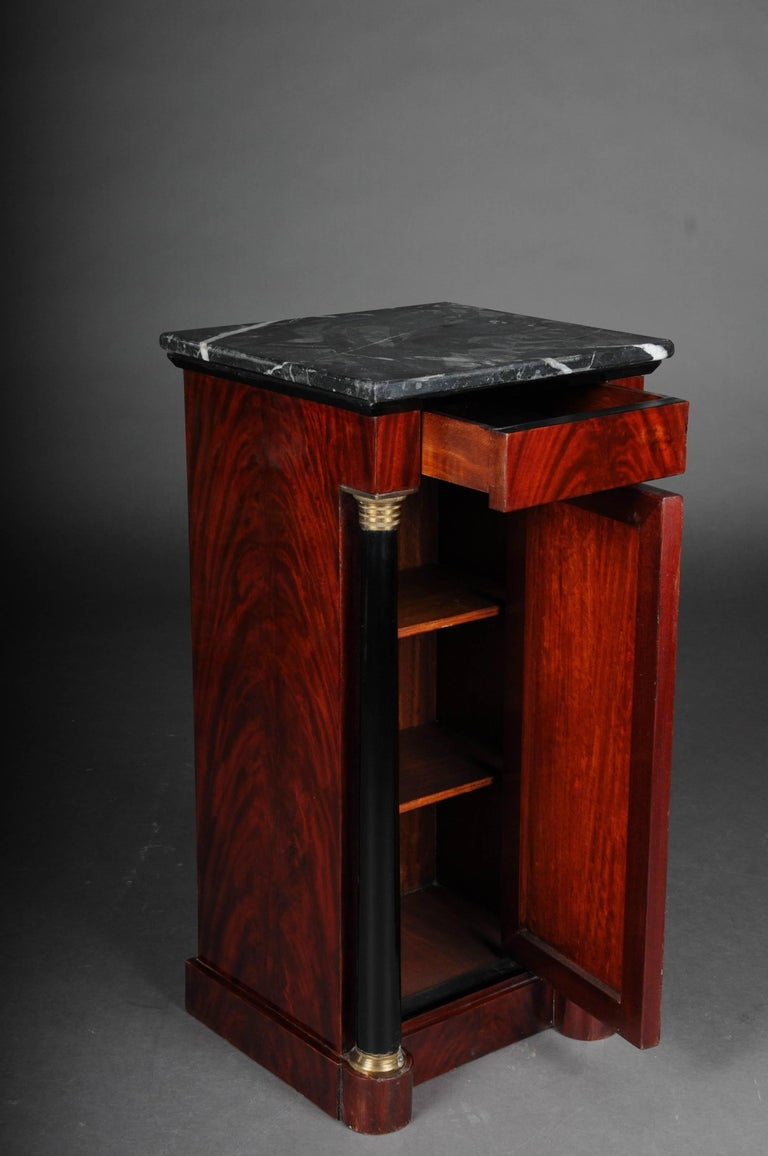 Classic Bedside Table, Side Table in Biedermeier, Mahogany R In Good Condition For Sale In Berlin, DE