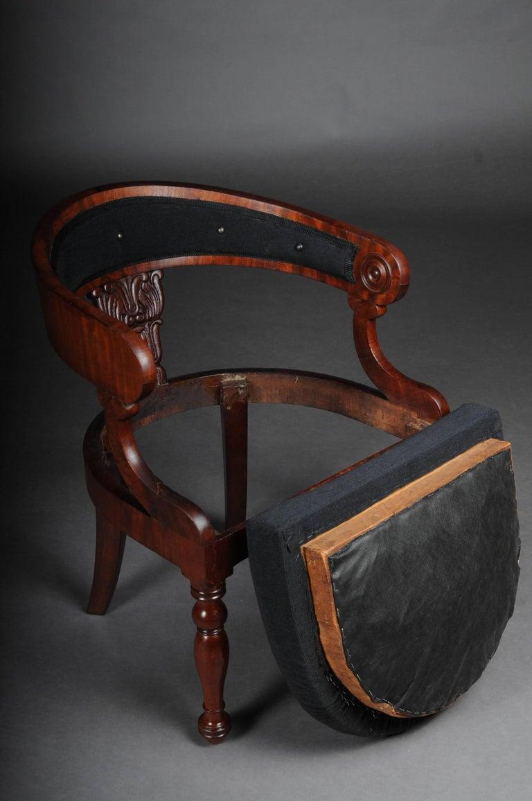 Antique Empire / Biedermeier Armchair, circa 1810, Mahogany In Good Condition For Sale In Berlin, DE