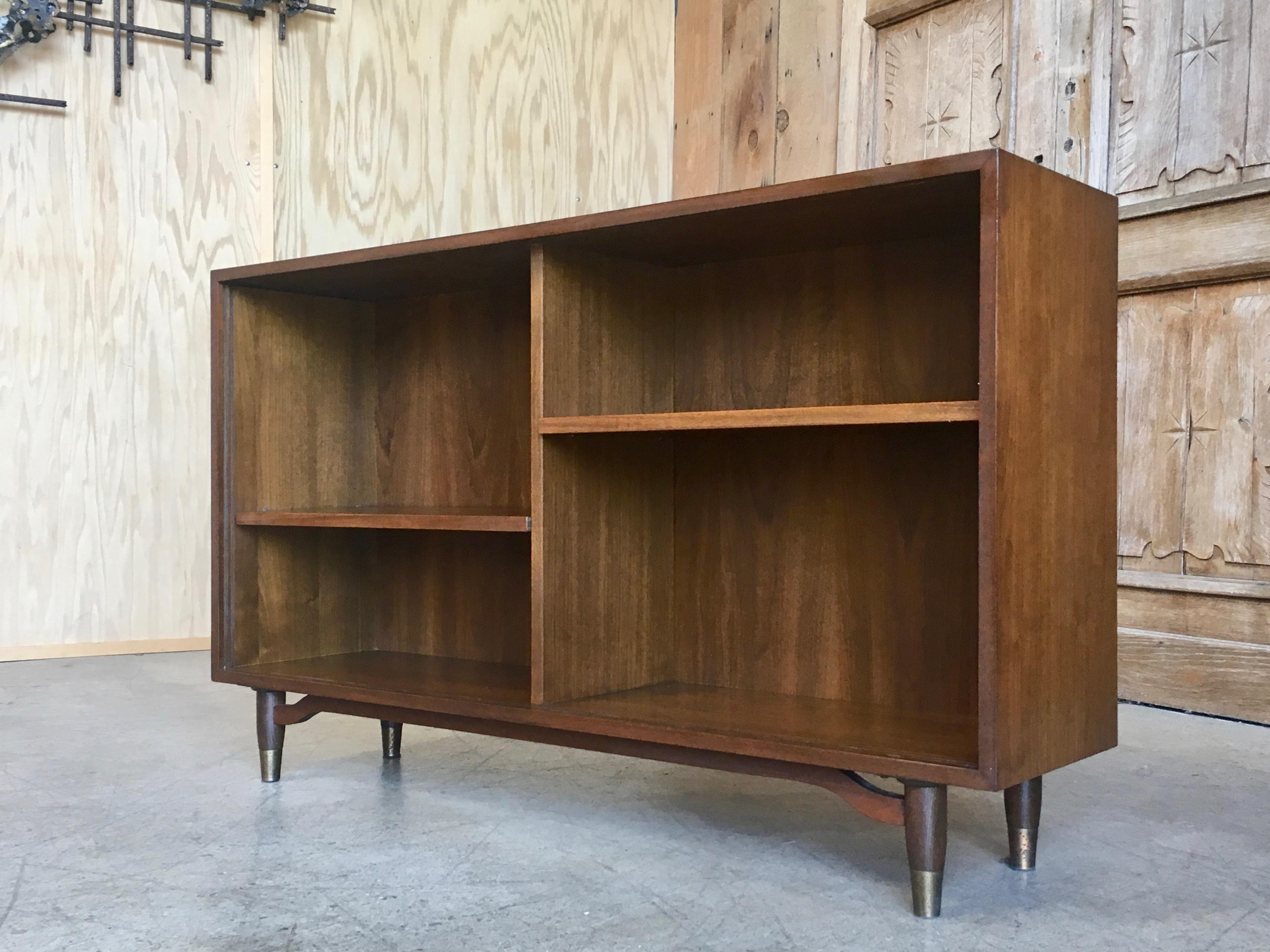 Mid Century Modern Barzilay Sliding Glass Door Bookcase Or Display For Sale