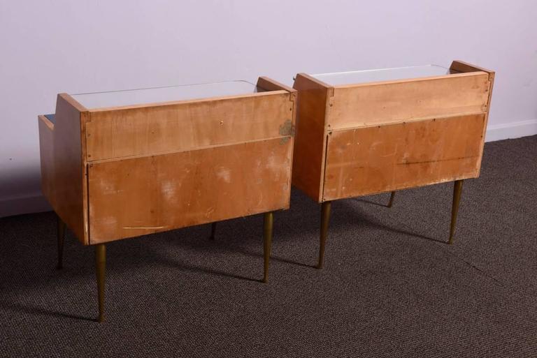 Italian Pair of 1950s Nightstands For Sale