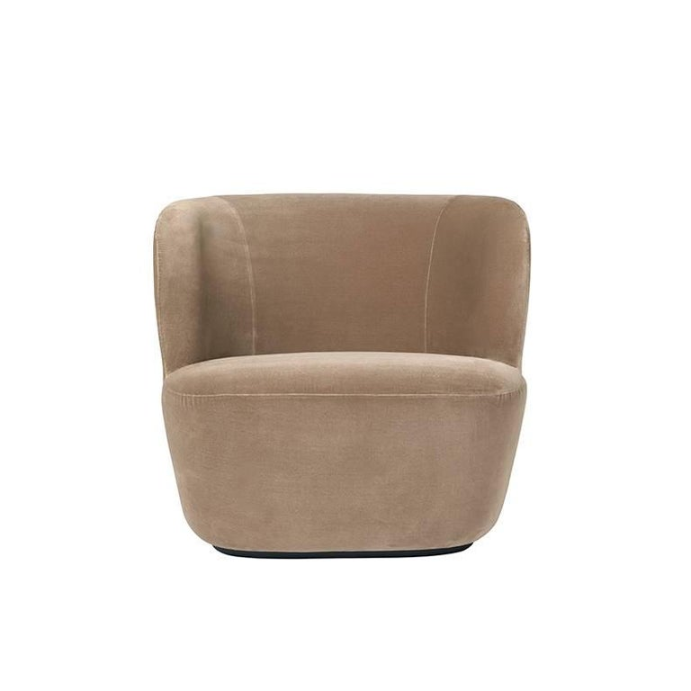 A perfect piece for both public places and private homes, this lounge chair embraces its user with sculptural and organic forms. Its softly curved shape combined with a solid texture not only provides essential coziness and comfort but also creates