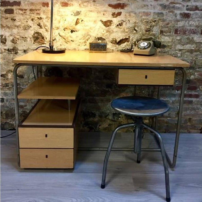 Vintage Industrial European Steel Stools In Excellent Condition For Sale In Paris, FR