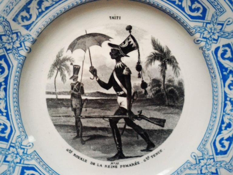 Ceramic Set of 12 Talking Plates, French Military Signed by Creil Montereau 19th Century For Sale