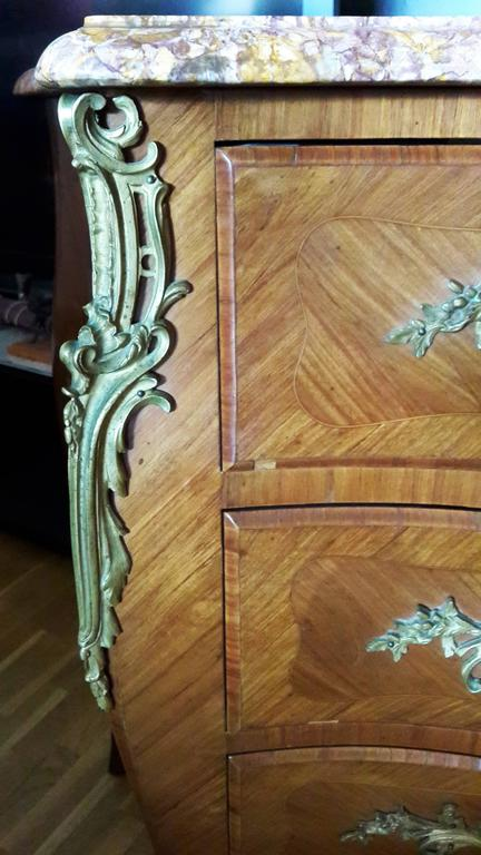 Inlay Louis XV French Bedroom Set, Commode and Nightstand Tables For Sale