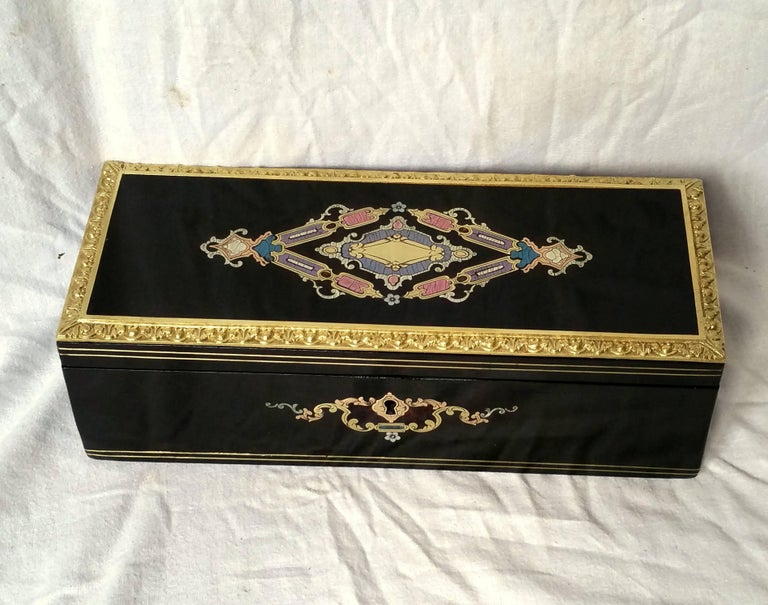Napoleon III Boulle Marquetry Bronze Tortoiseshell Jewel Gloves Box, France In Excellent Condition For Sale In Paris, FR