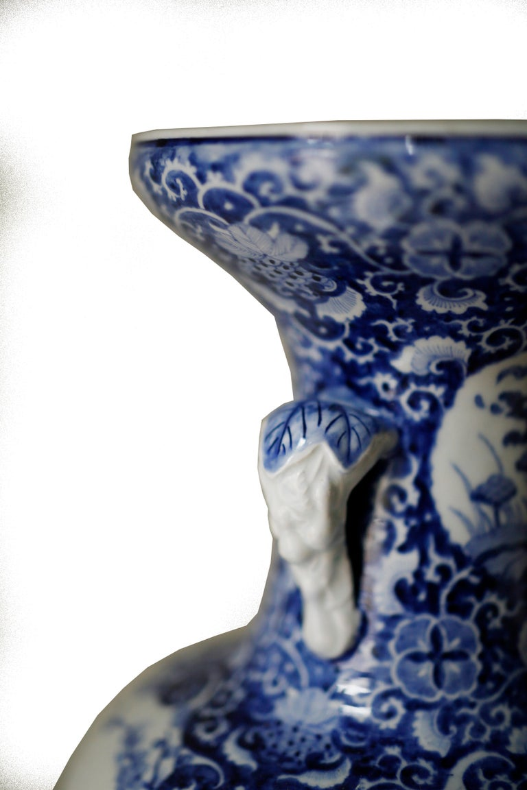 Pair of Large Meiji Period Blue and White Porcelain Vases In Good Condition For Sale In Brooklyn, NY